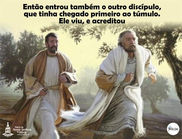 Então entrou também o outro discípulo, que tinha chegado primeiro ao túmulo.  Ele viu, e acreditou