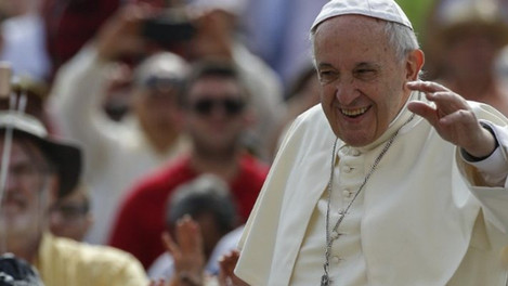 """""""Acabemos com as fofocas!"""", pede o Papa Francisco a milhares de fiéis no Vaticano."""
