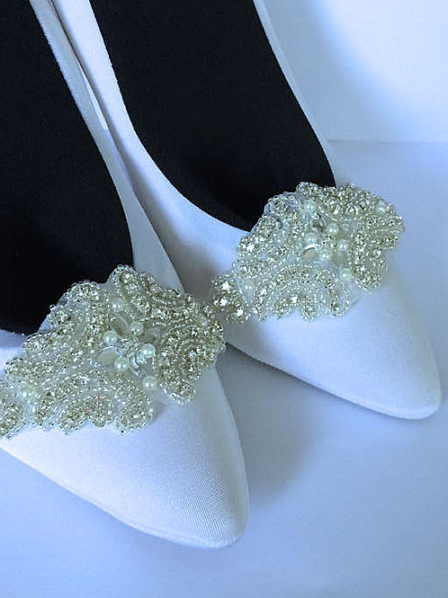 Crystal & Pearls With Centre Flower Shoe Clips