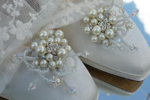 Ivory Enchanted Garden Shoe Clips