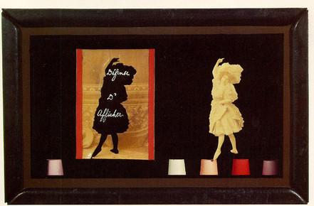 Joseph Cornell Defense d_Afficher Object
