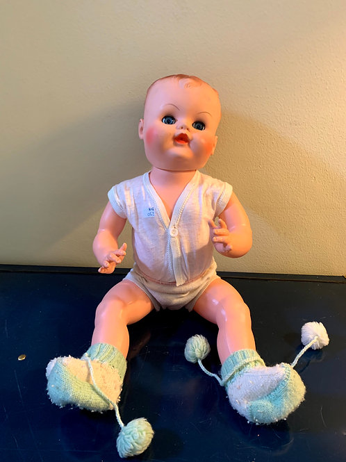 """MR - 052 - Baby Doll W/Booties & Blinking Eyes - 20""""T"""