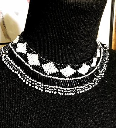 Nyota Glass Beaded Necklace_Black & White