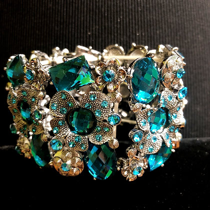 Aquamarine and Antiquated Silver Flower Stretch Bracelet
