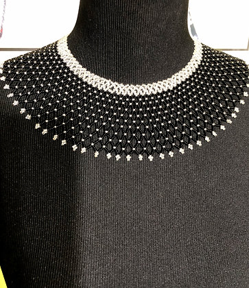 UMGEXO Beaded Collar Necklace..Silver/Black/White