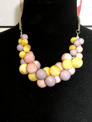 Grapevine Design Resin Necklace w/Earrings