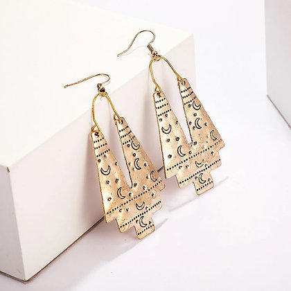 V-Shaped Moon Pattern Earrings