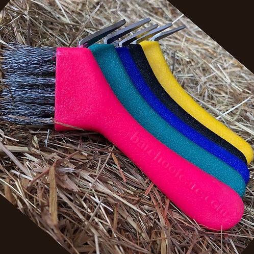 Hoofpick with wire brush