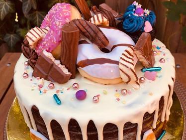 Torte mit Donuts und Schoki 2.jpg