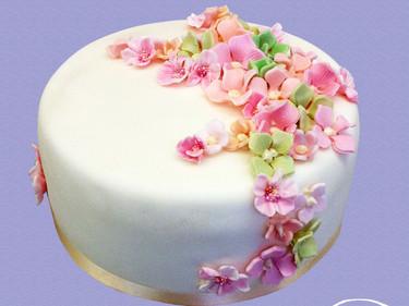 Geburtstagstorte in Pastell