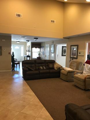 Queen's Home Living Room
