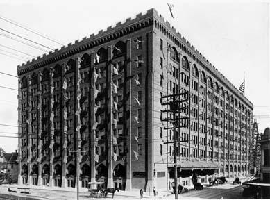 The Butler Brothers Building was originally constructed incorporating a combination of Gothic and Romanesque styles (Photo source: Dallas Public Library).