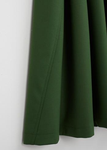 A • Wide Skirt _a twisted seam - green 1.jpg