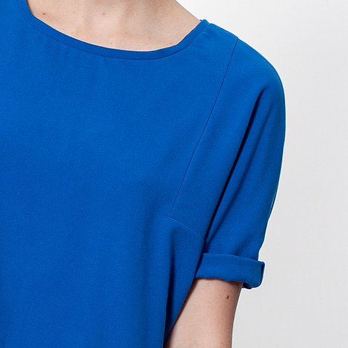 a . shirt _an angle sleeve