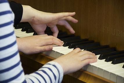 Piano .jpg