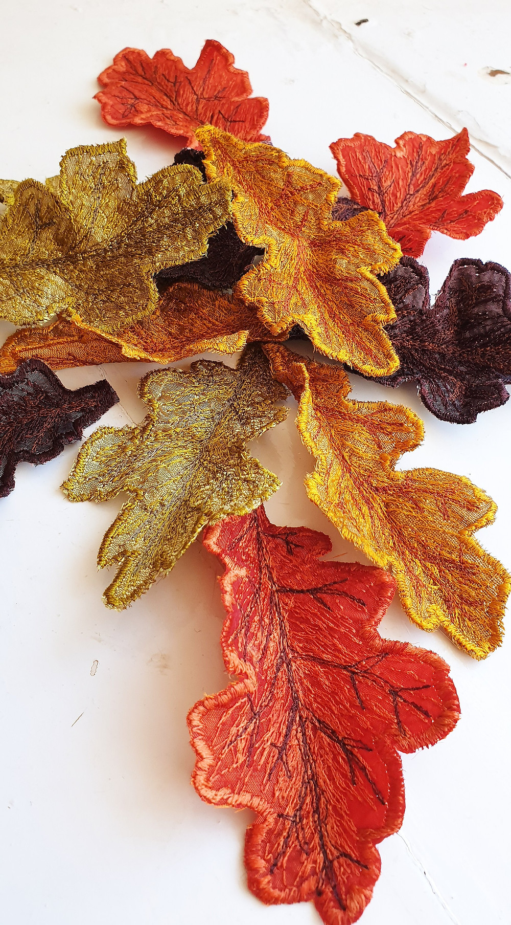 oak leaf decorations