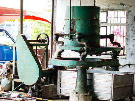 "Meet a ""living"" legend: Antique Japanese Black Tea Rolling Machine"