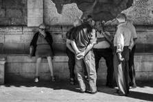 Street Gossip, Italy