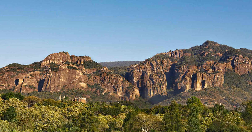 montaña de amatlan de quetzalcoatl tepoztlan morelos meditación