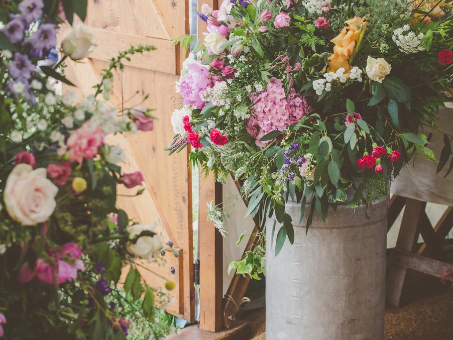 Wedding Yurt flowers, Castle Weddings