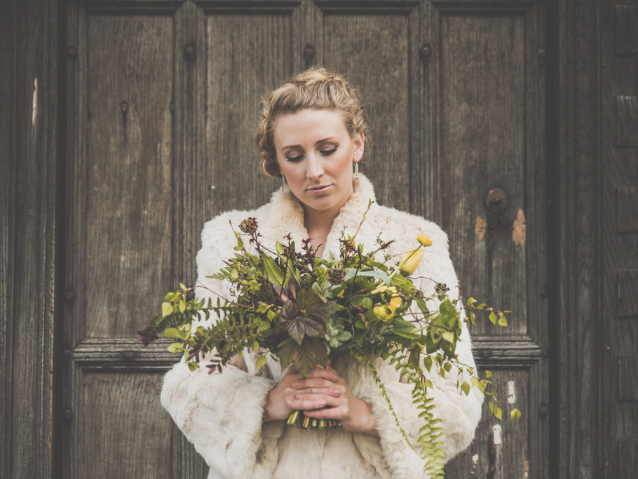 Botanical inspiration shoot, Kinnersley castle, yurt wedding, Herefordshire