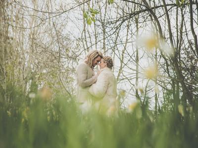 Botanical inspiration shoot, Kinnersley castle, yurt wedding, Herefordshire