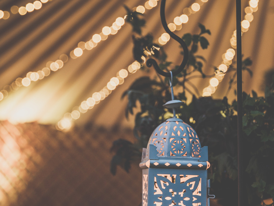 twinkly lights for a yurt wedding, Kinnersley Castle