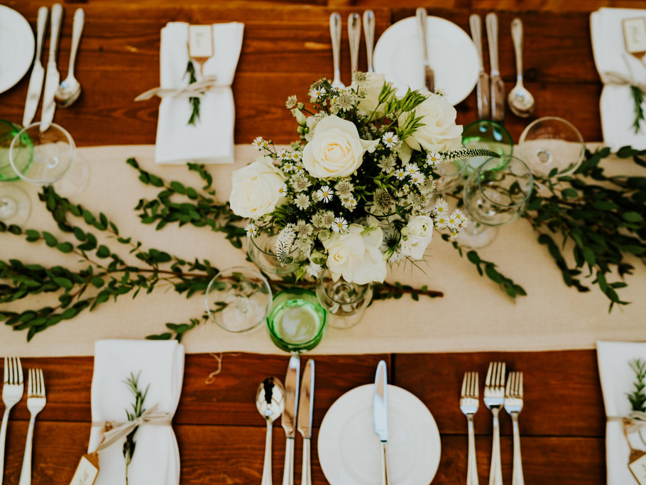 Gorgeous table flowers.
