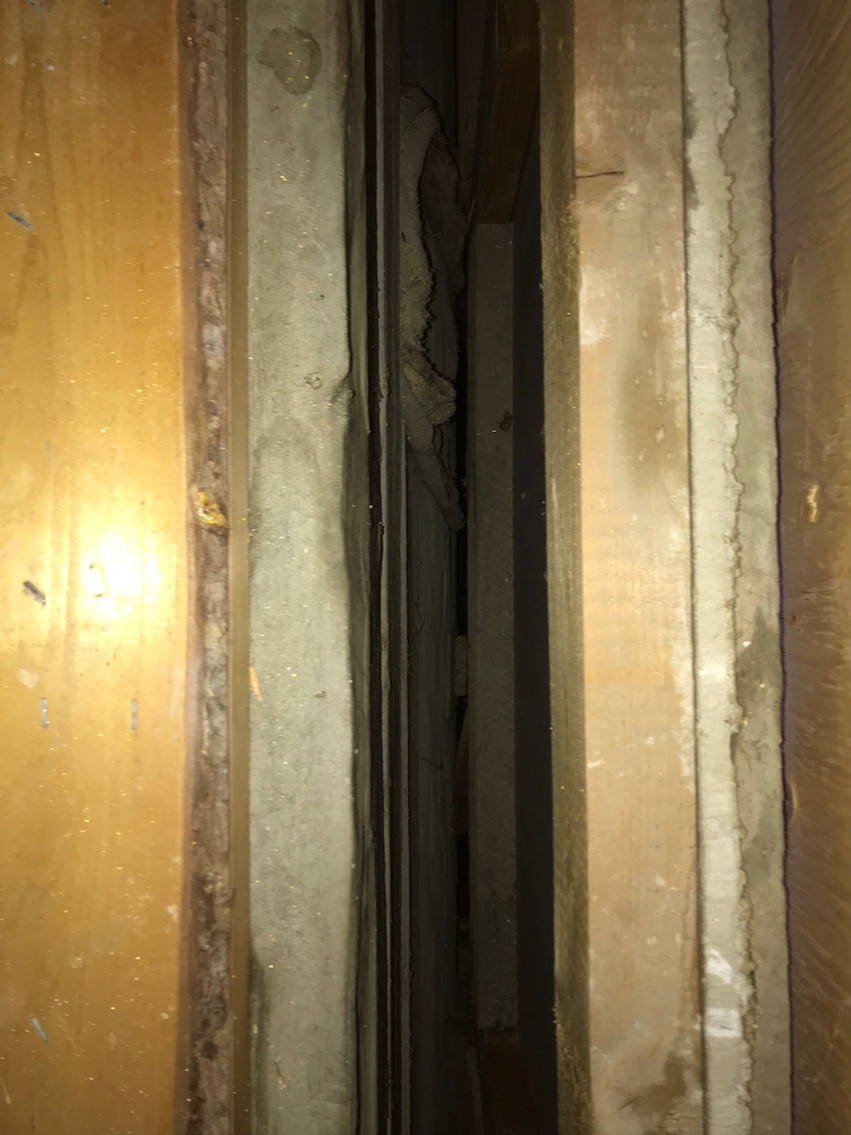 Exterior cavity of external wall - no insulation