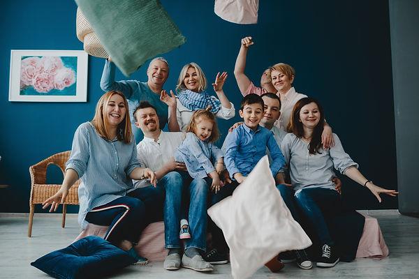 grandparents-parents-their-little-childr
