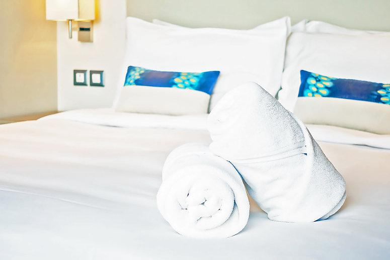 white-towel-bed_edit2.jpg