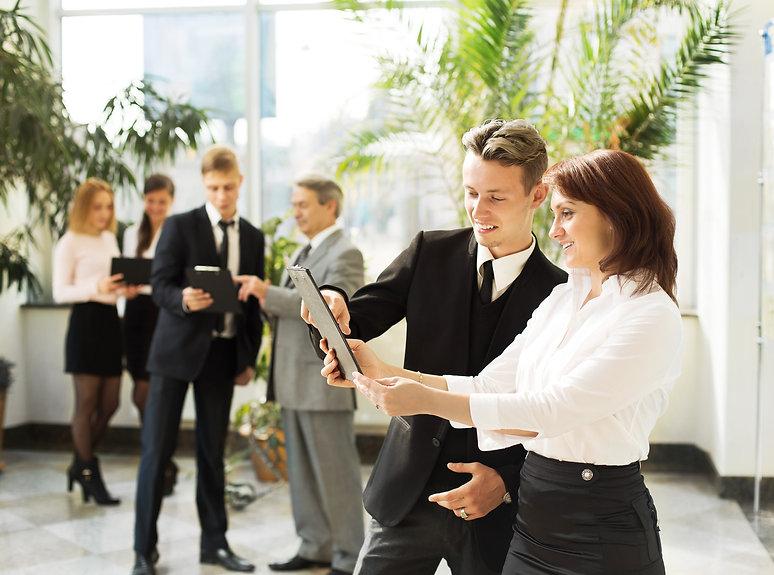 business-people-colleagues-teamwork-meet