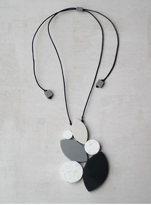 Luna Black and White Necklace