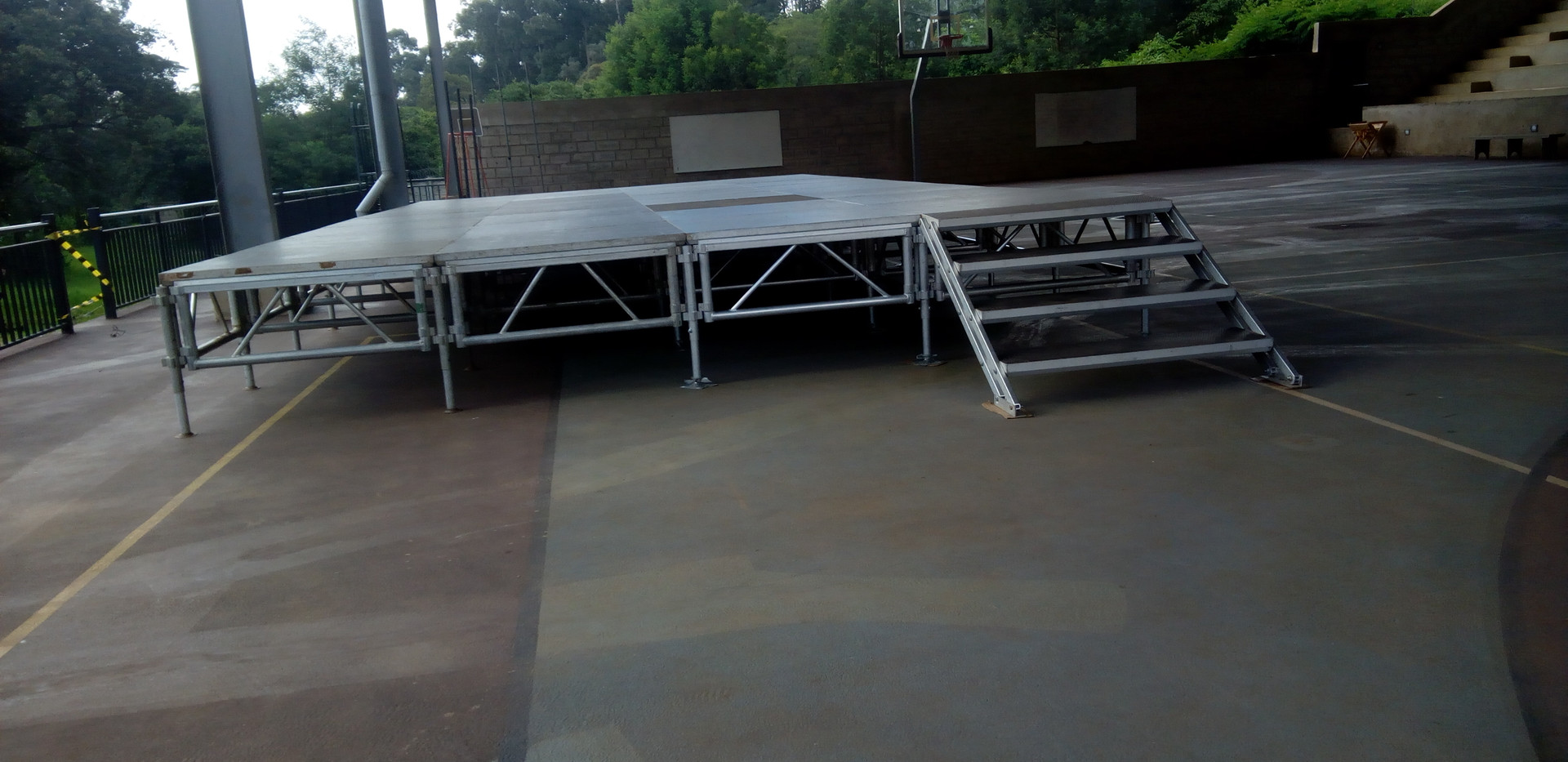 Regular Board Stage structure