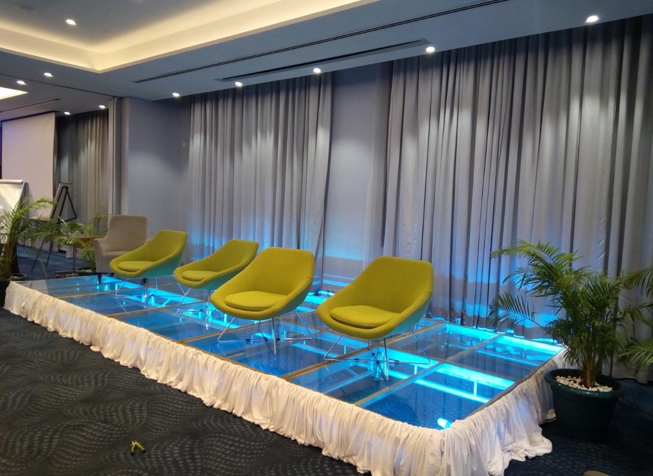 Glass Stage Platform