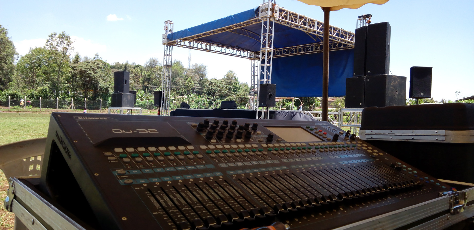 Audio and Stage in One Frame