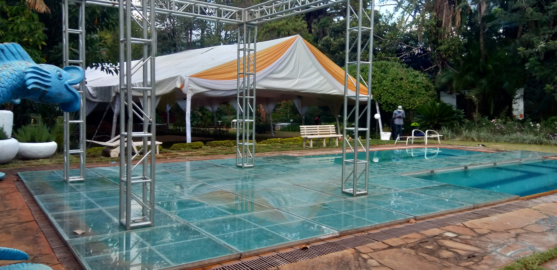 Truss On Glass On Pool