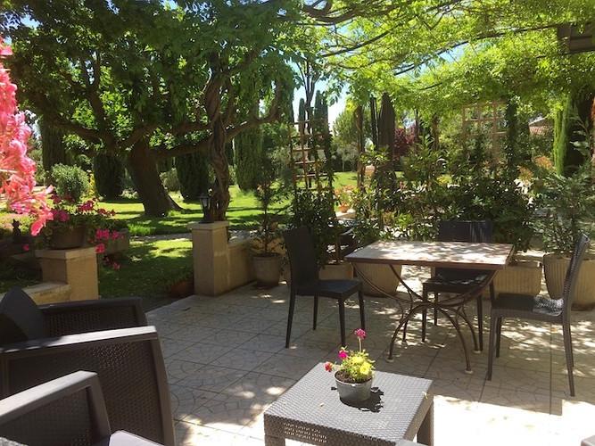 Terrasse salon de jardin relaxation