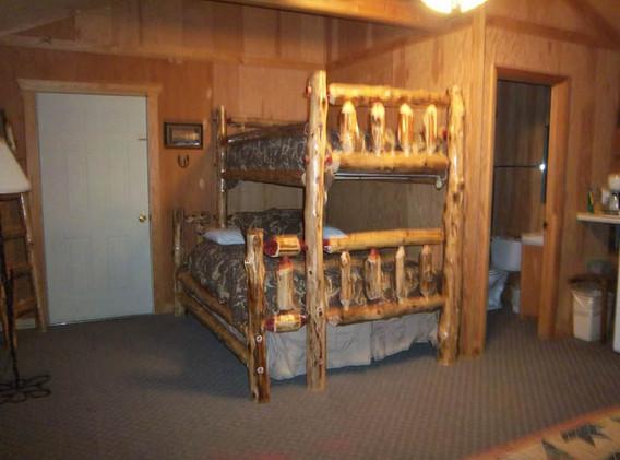 Cabin 4...JPG