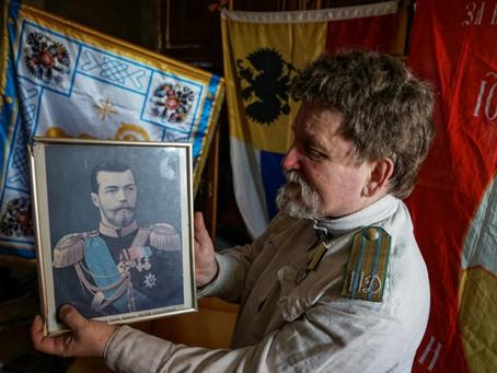 Cem anos depois da Revolução, alguns russos sonham com um retorno à Monarquia