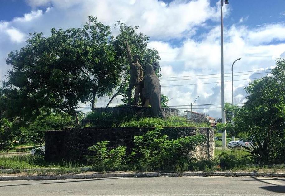 ABANDONADO, O MONUMENTO À JERÔNIMO DE ALBUQUERQUE MARANHÃO CARECE DE CUIDADOS (DIVULGAÇÃO/©G.E.M. 17 DE NOVEMBRO)