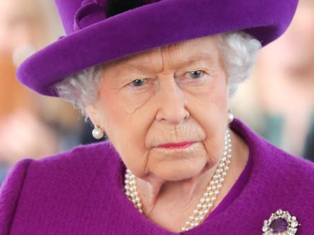 Governo de Barbados quer destituir Rainha Elizabeth do posto de Chefe de Estado