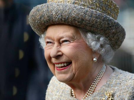 Rainha Elizabeth II completa 66 anos de reinado