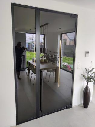 Steellook glazen deur met vast zijpaneel