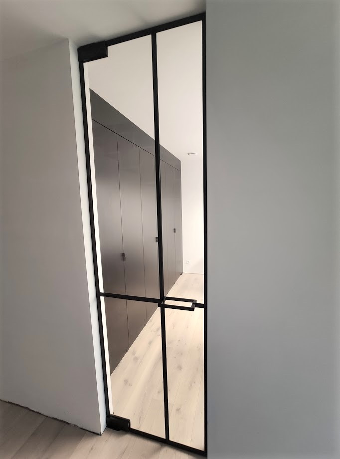 Steellook glazen deur in bureau