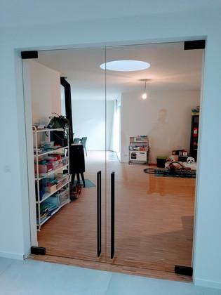 Dubbele glazen deur in extra klaar gehar