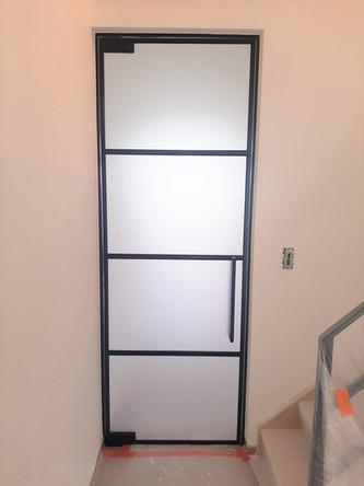 Steellook glazen deur in gezuurd glas