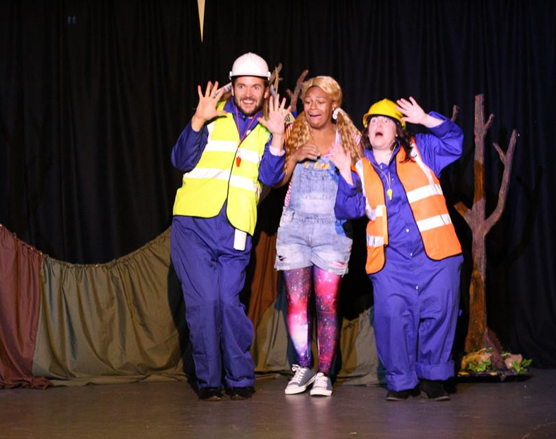 Hjalmar, Serael & Janet in 'Goldilocks & The Three Bears' Sept-Oct '18, Sydenham