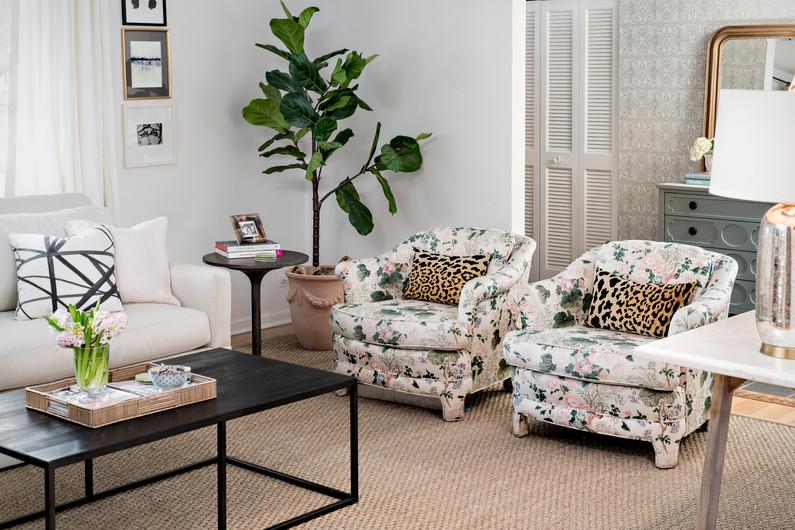 212 East 11th Avenue Living Room