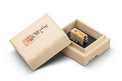 Koetsu_Coralstone_Platinum_Box.jpg